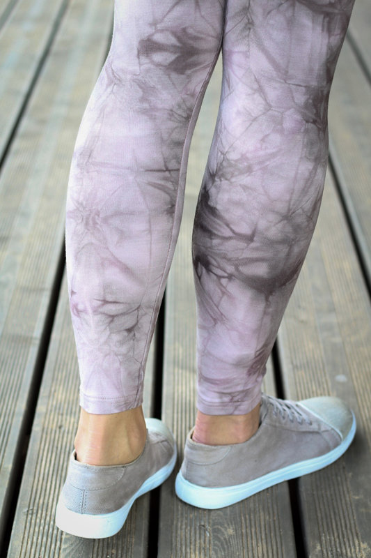 Light batik leggings