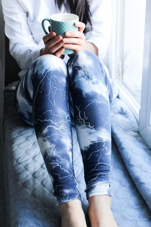 Batikoti zili-baltie