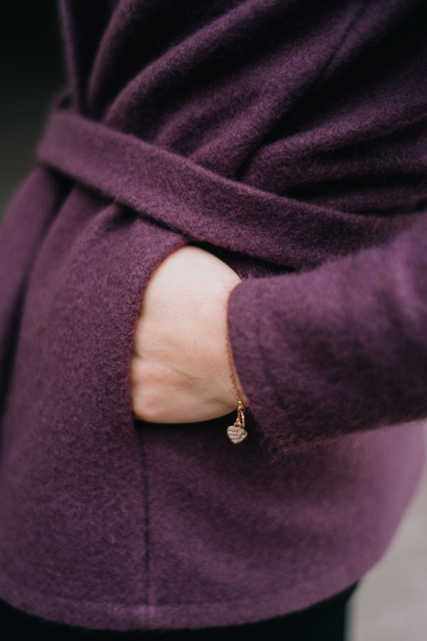 Jetes jaka- dūmakaini violeta