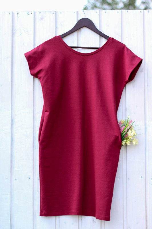 Jetes vasaras sarkanā kleita